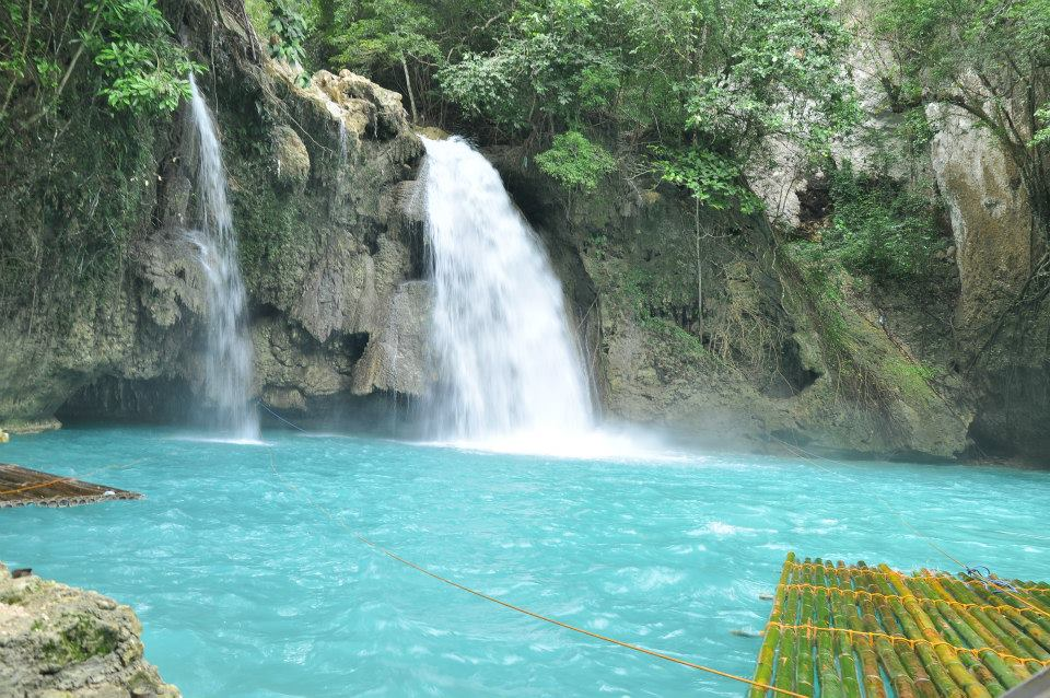 kawasan-falls-badian