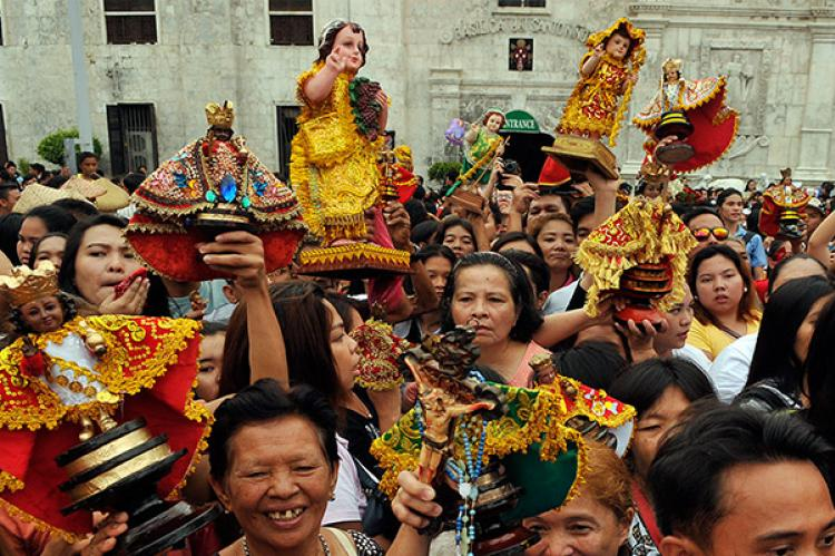 santo-nino-devotees