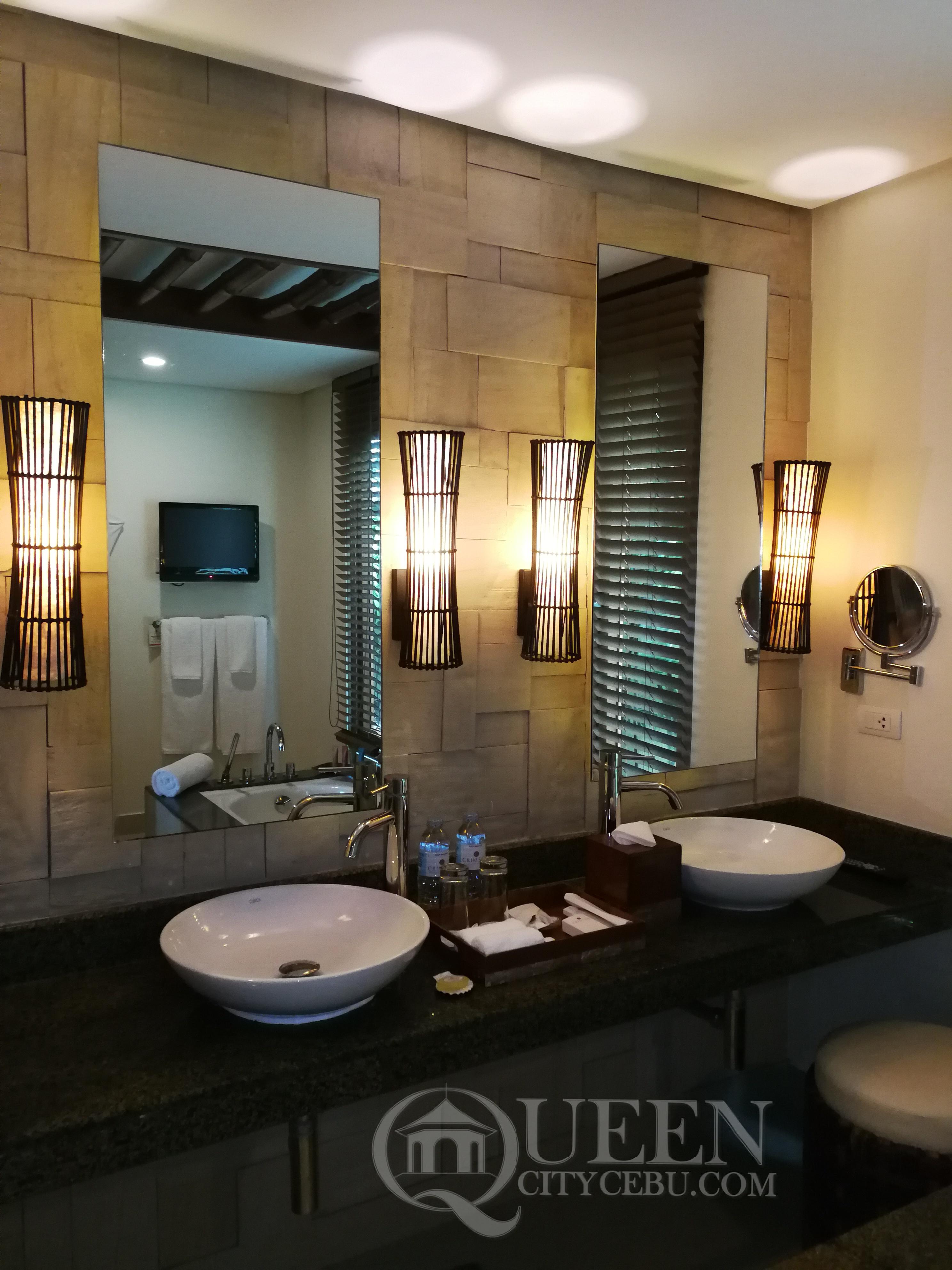 Crimson Resort's Beach Casita Villa Him & Hers Wash Area