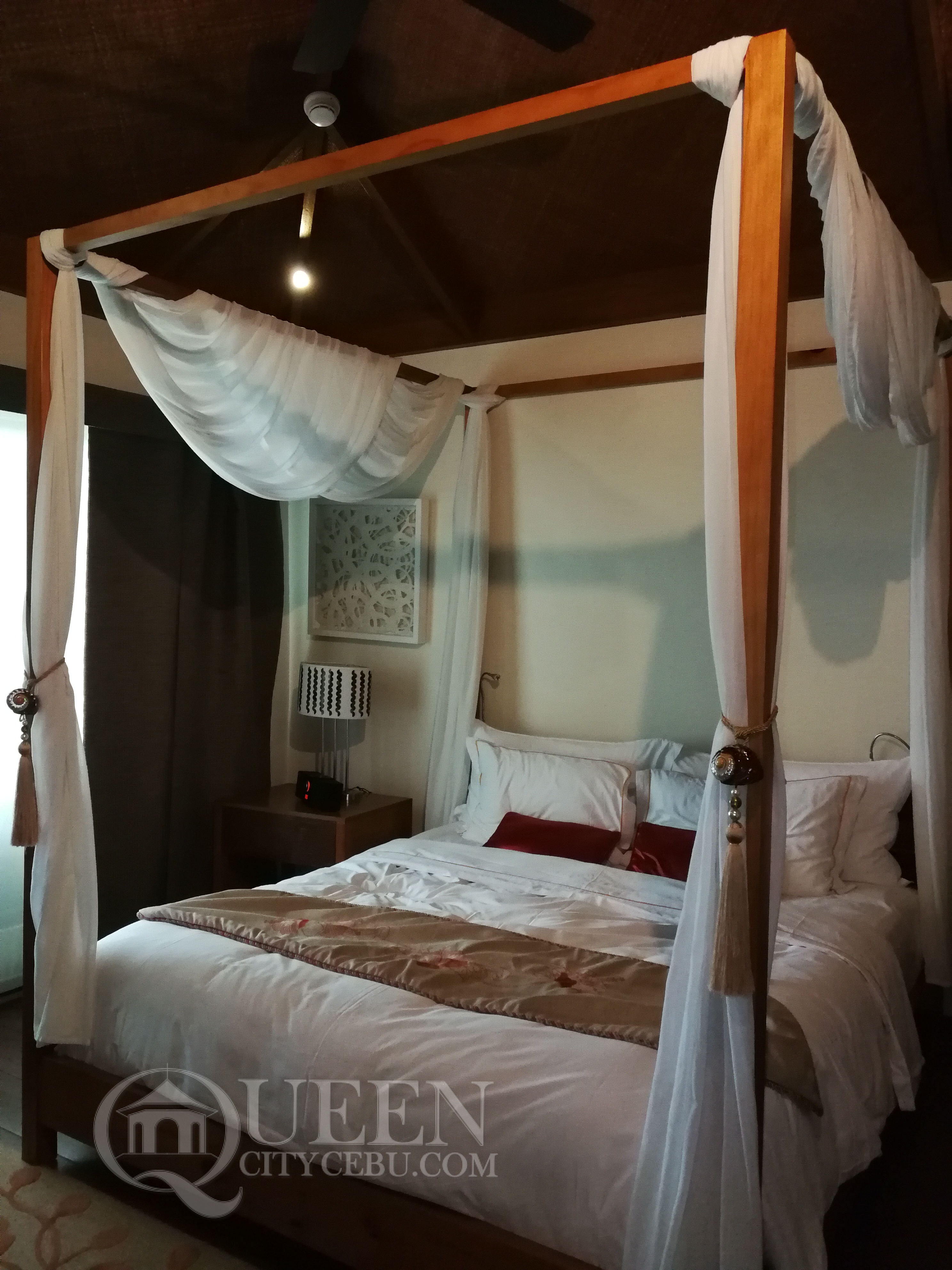 Crimson Resort's Beach Casita Villa Bed