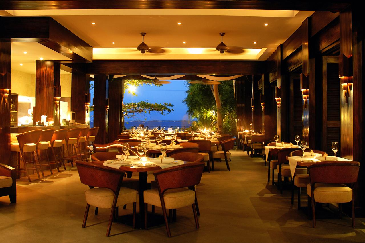 abaca boutique resort restaurant at night