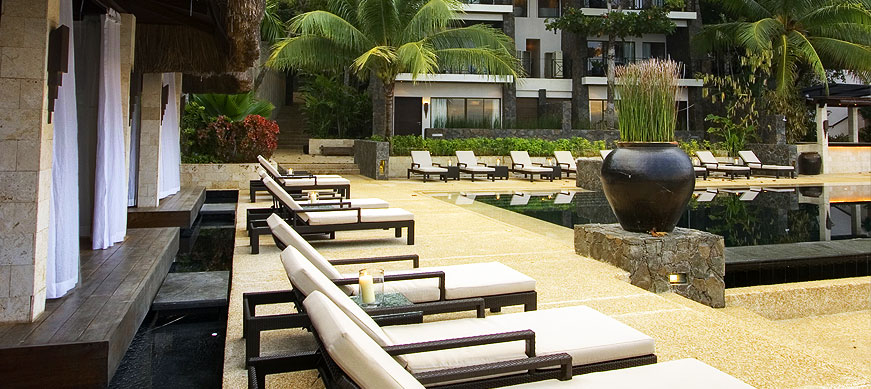abaca resort poolside