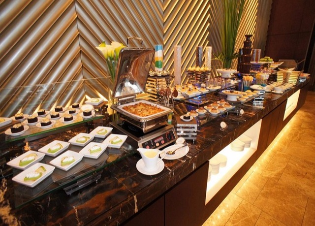 saffron breakfast buffet desserts