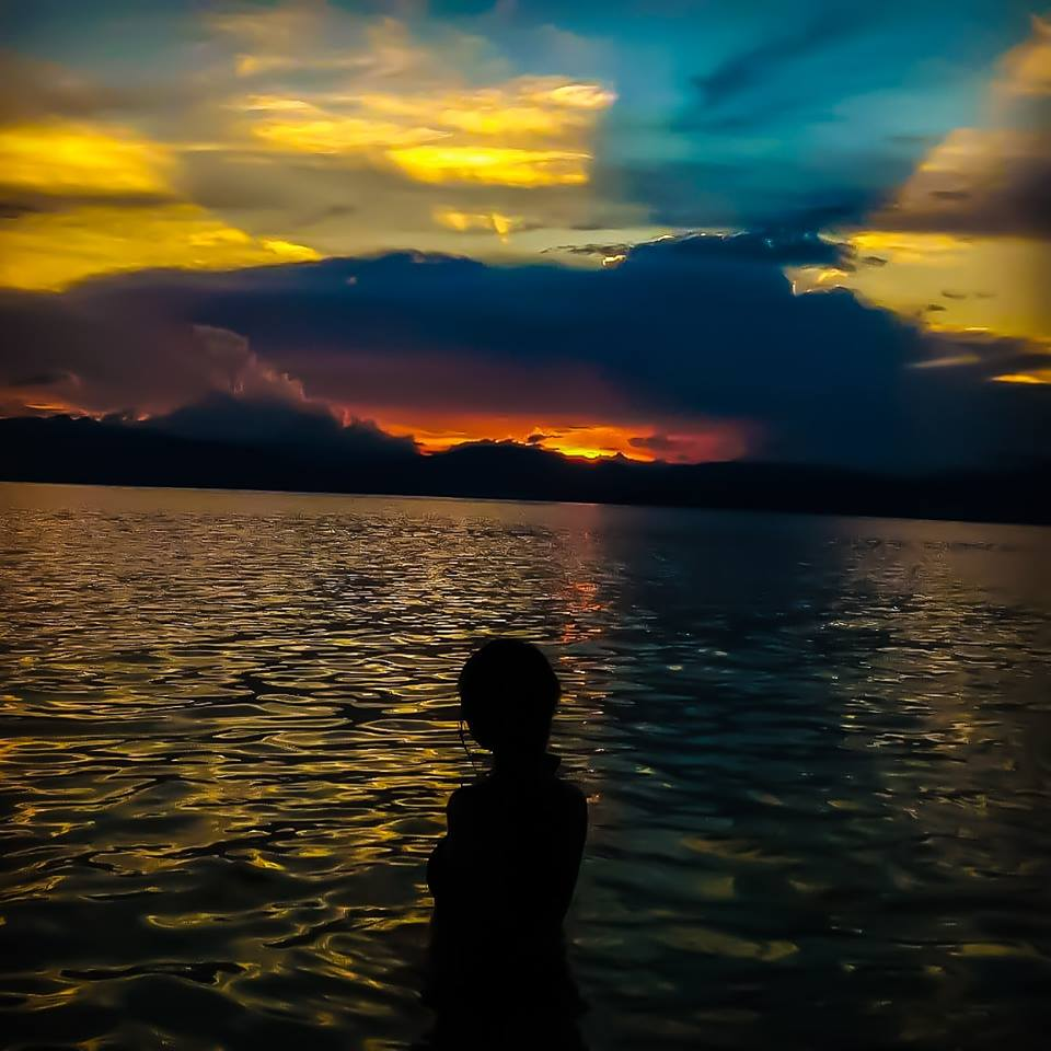 Sunset in Basdaku, Moalboal | Photo by Jannicynth Nuñez