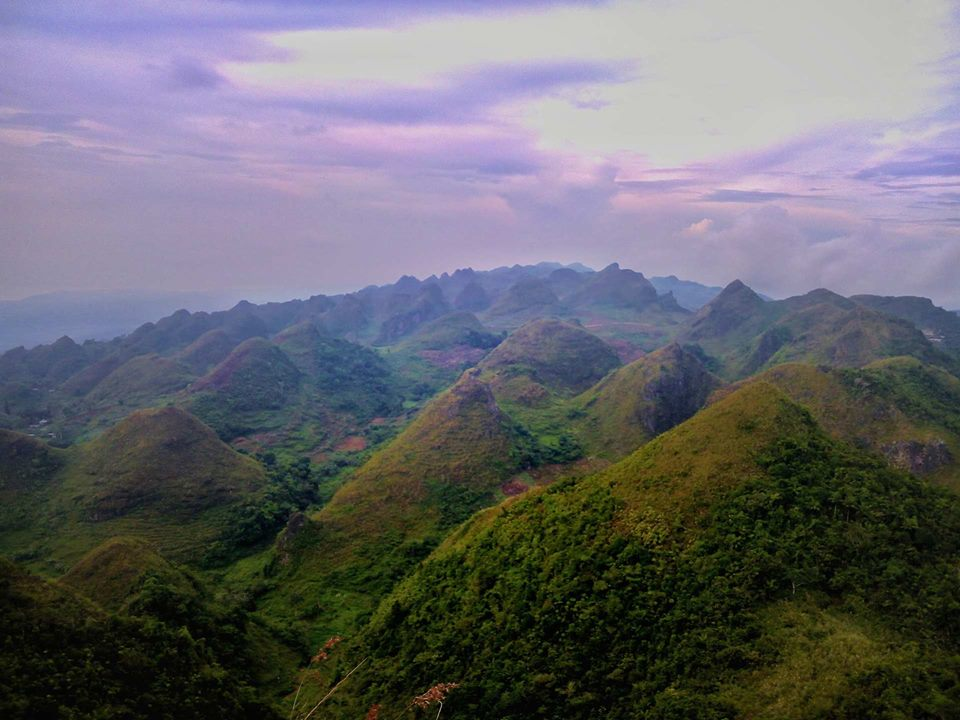 Chocolate Hills in Cebu, Dalaguete | Photo by Nhagz Torrecampo