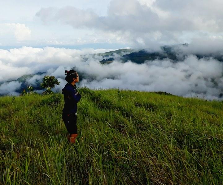 Mt. Hambuboyog, Ginatilan | Photo by Hakuna Matata