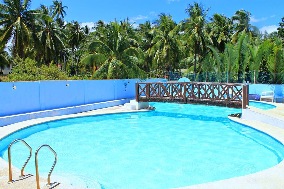 Lagunde swimming pool
