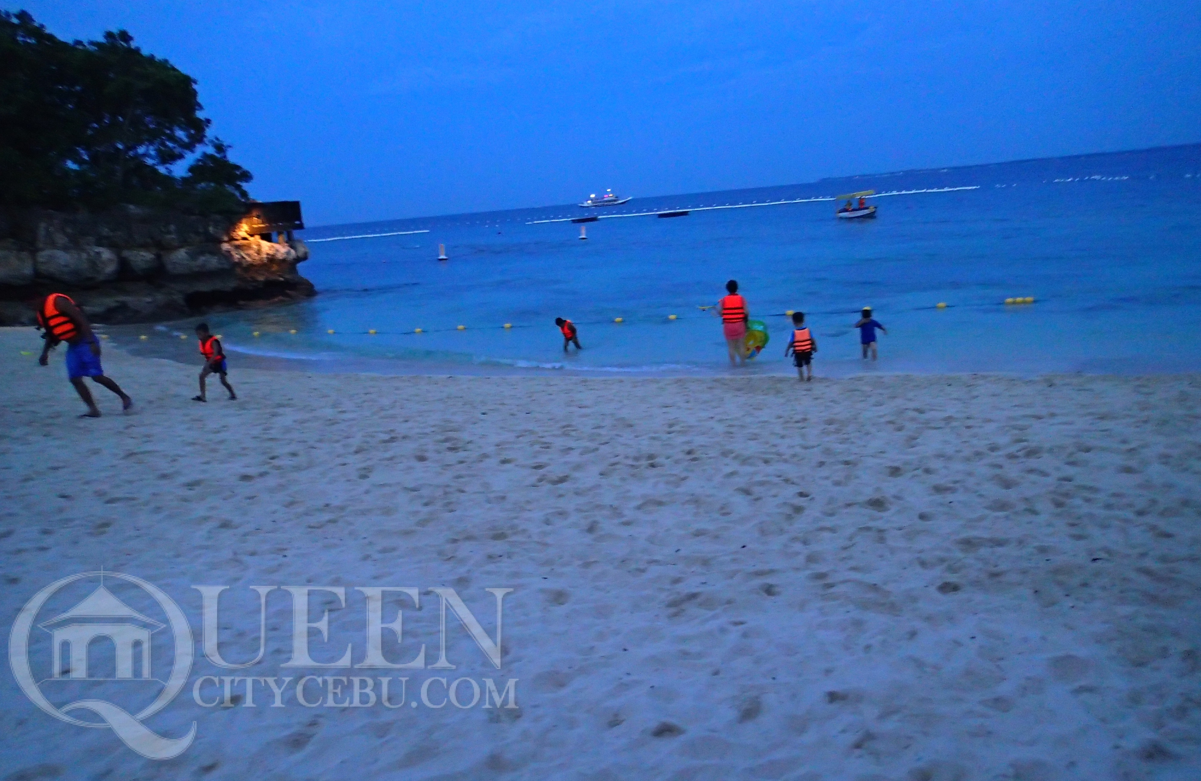 Shangri-la Mactan Beach at night