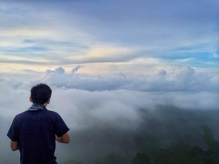 Mt. Naupa, Naga | Photo by Kevz Omandac