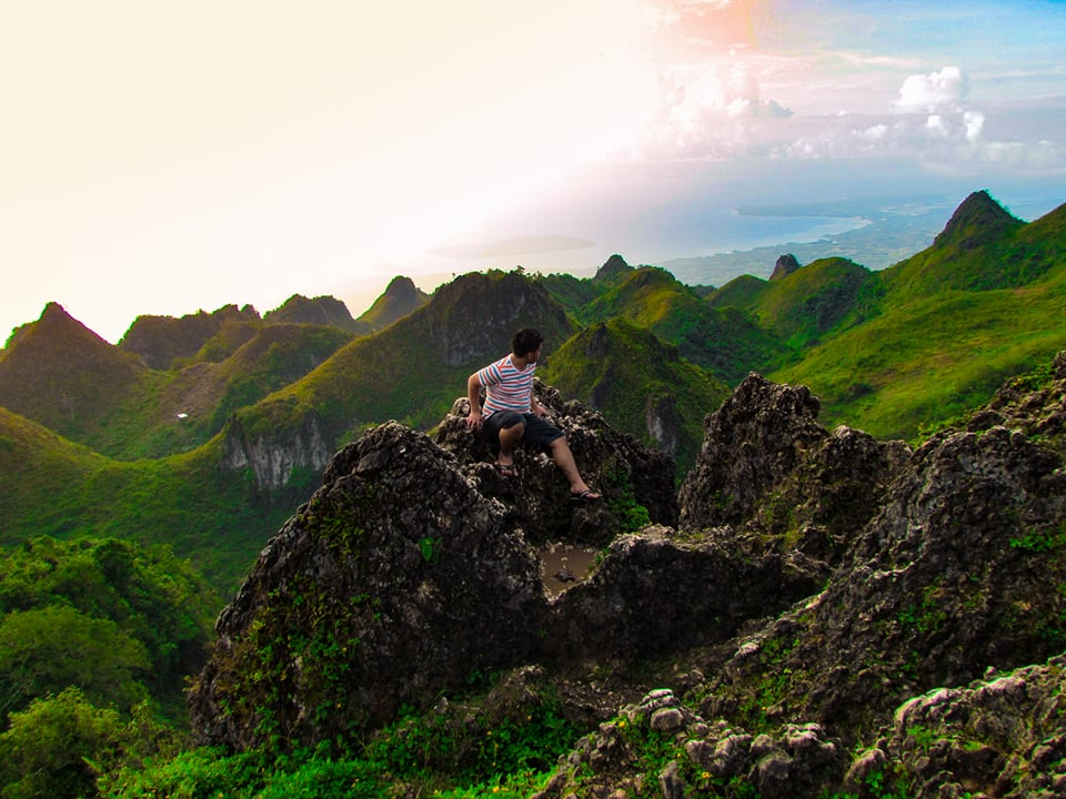 Osmeña Peak | Photo by Naldo
