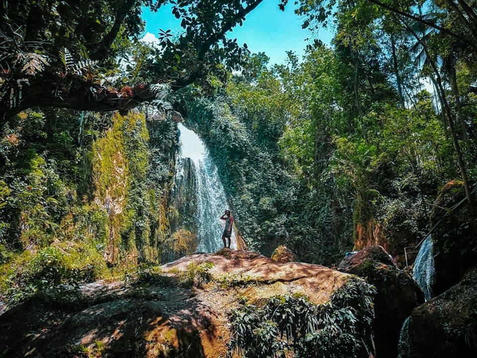 Inambakan Falls, Ginatilan   Photo by Venz Lester