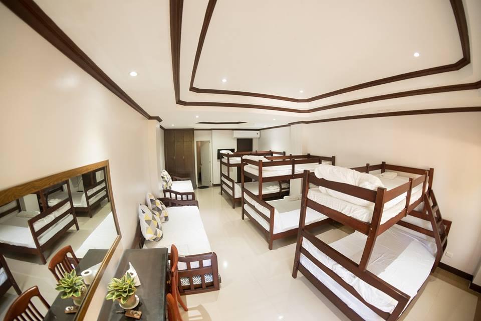 Pangeas Beach Resort, Liloan
