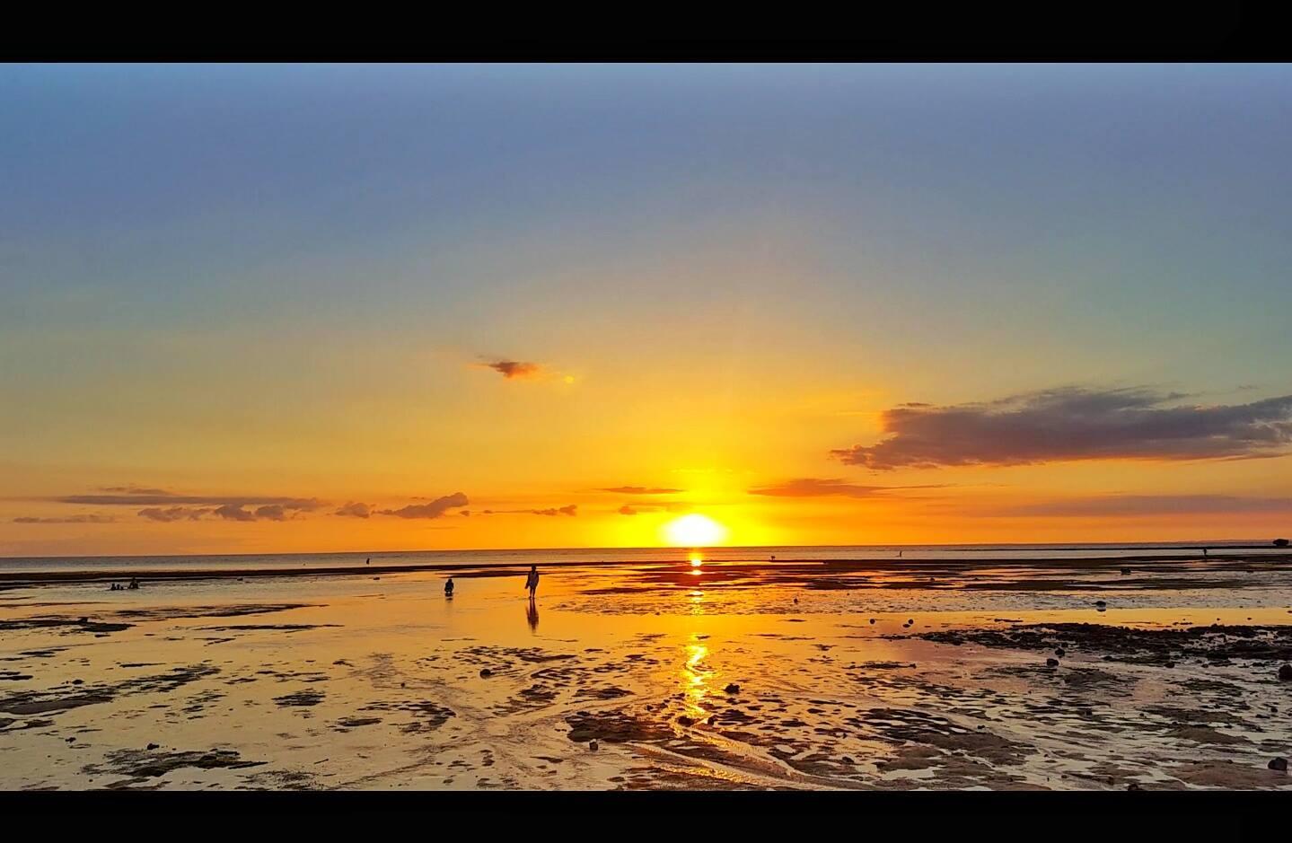 Photo by Joy | Halfmoon Beach Resort, San Remigio