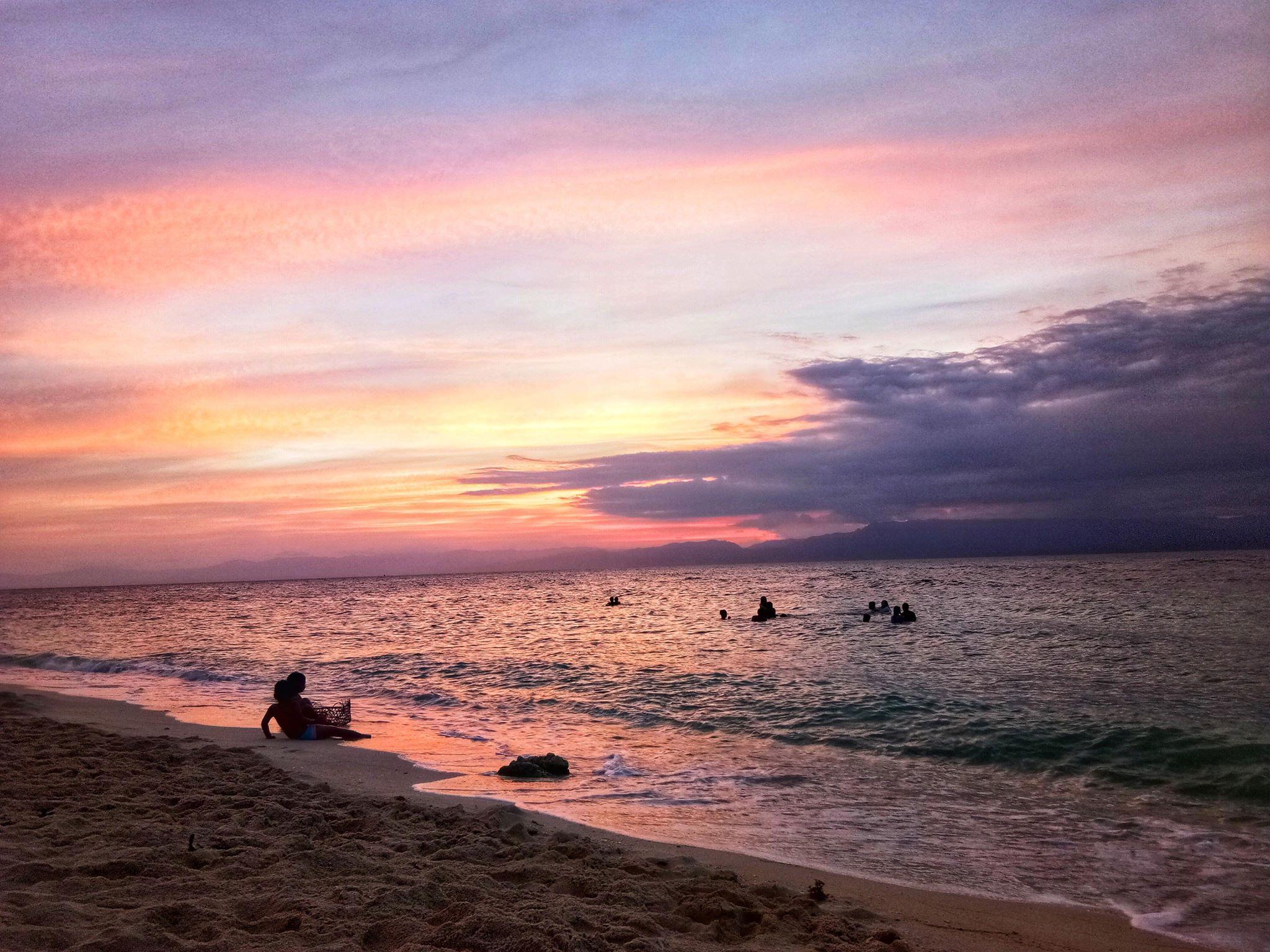 Moalboal Sunset | Photo by Rachel Ann