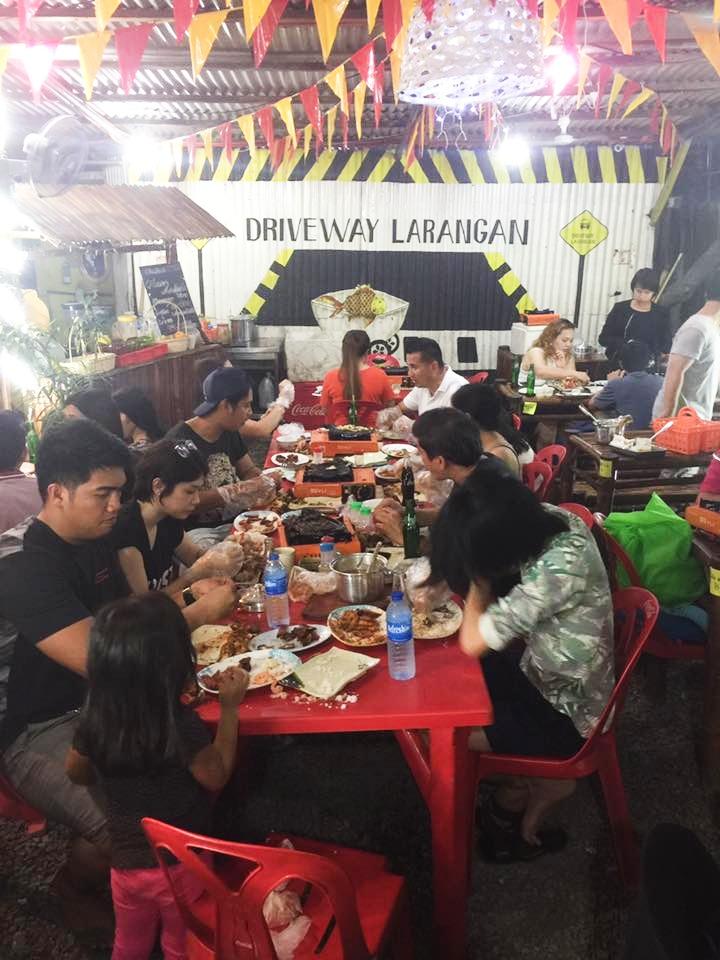 Photo by Driveway Larangan & Seafood Street