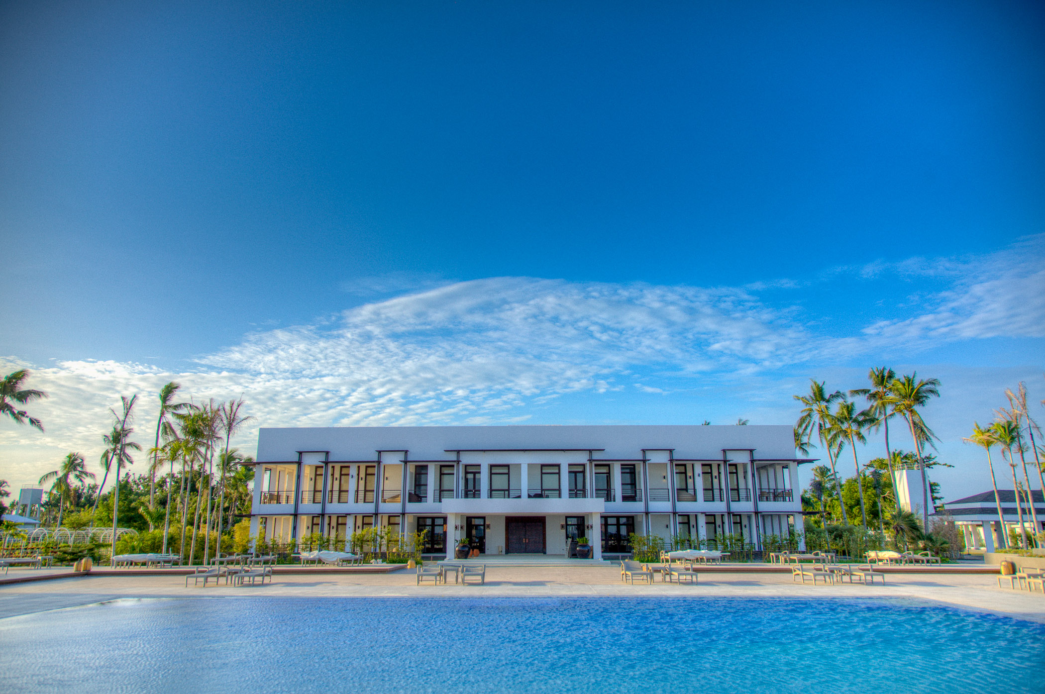 Main building during the day // Photo by Kandaya Resort