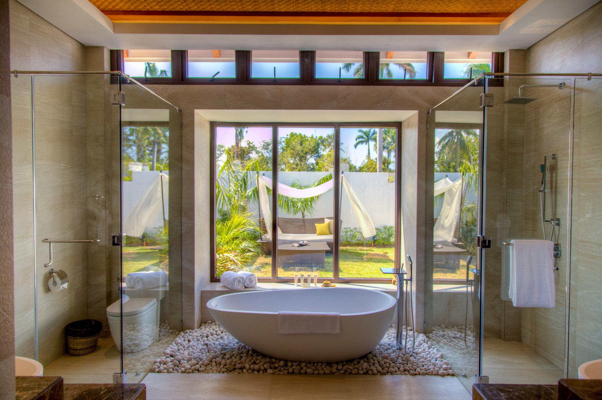Bathroom for Garden, Beach and Ocean Pool Villa // Photo by Kandaya Resort
