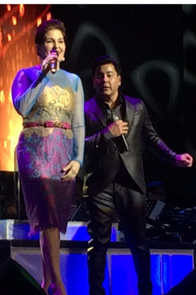 "Martin and Jackie Lou Blanco performed ""Friends In Love."" Photo by Carlo Orosa"